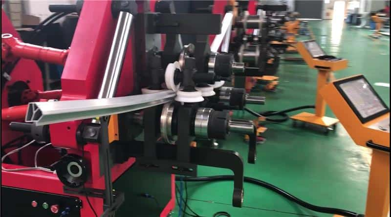 Car A-pillar roof rack Aluminum Profile Roll Bending
