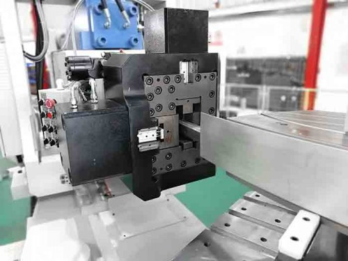 CNC stretch forming machine with mandrel function